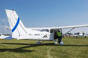 Sleva 11% - Zážitkový vyhlídkový let v moderním letounu Cessna 152 nebo Cessna 172 z letiště v…