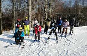 Sleva 64% - Lyžarský kurz v Krušných horách včetně skipasu a služeb zkušeného instruktora s…