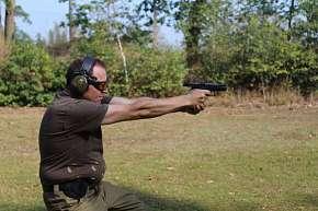 Sleva 50% - Adrenalin na střelnici s vlastním výběrem zbraní s až 111 náboji pod vedením…