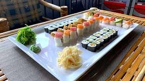 Sleva 54% - Až 101 kousků lahodného sushi v restauraci Ngoc Ha Sushi v Ostravě