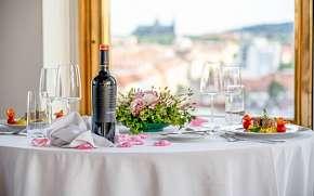 47% Romantický pobyt v Praze: Hotel International…