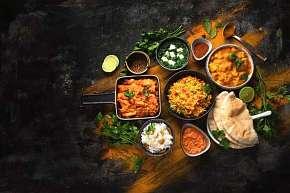 Sleva 28% - Tříchodové indické menu pro dva nebo celou rodinu v restauraci Makalu v Ostravě