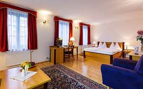 47% Centrum Karlových Varů v Hotelu Maltézský Kříž **…