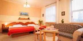42% Hotel Baťov*** u zlínského Baťova kanálu s…