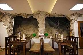 27% Hotel Fatra s vlastní jeskyní - pobyt v centru…