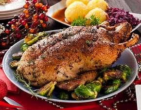 Sleva 0% - Pečená kachna na medu a víně s knedlíky a zelím až pro 4 osoby v restauraci Kovářská