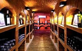 0% Slovácko: Pobyt v Bzenci nedaleko zámku v Hotelu…